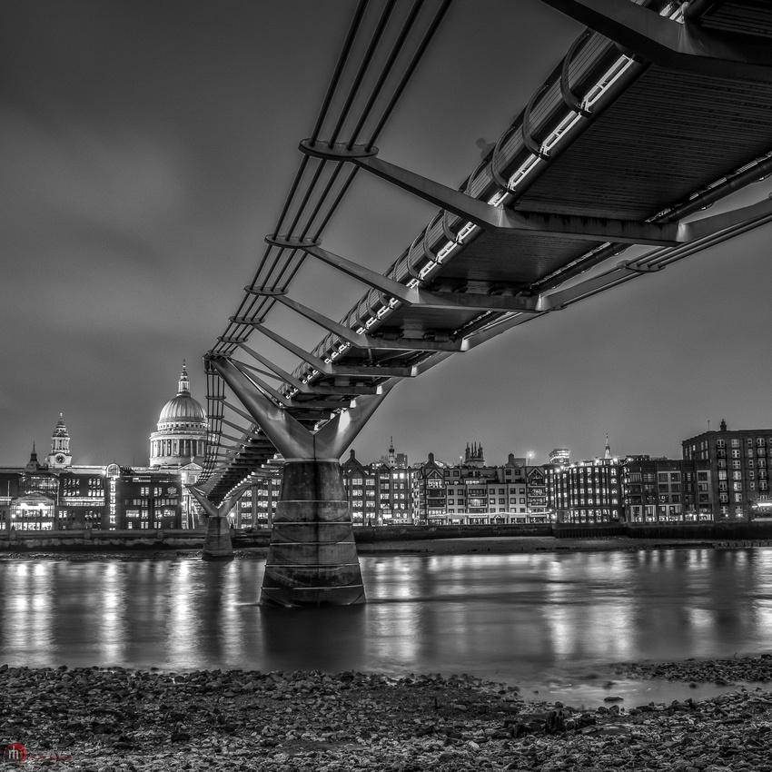Millennium Bridge B/W