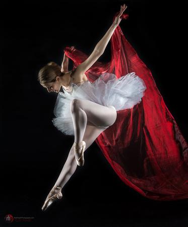 Alessia Lugaboni red